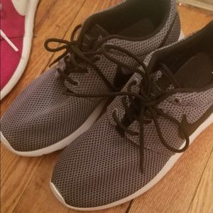 Nike Sneakers - great condition